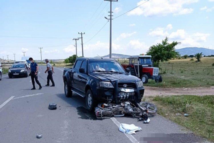 Kamyonetin çarptığı motosikletli hayatını kaybetti