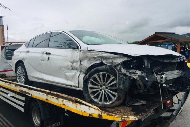 MHP milletvekillerin içinde olduğu araç kaza yaptı