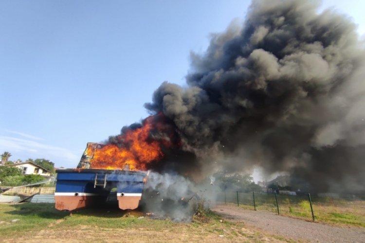 Teknede, 7 saat sonra yeniden yangın çıktı