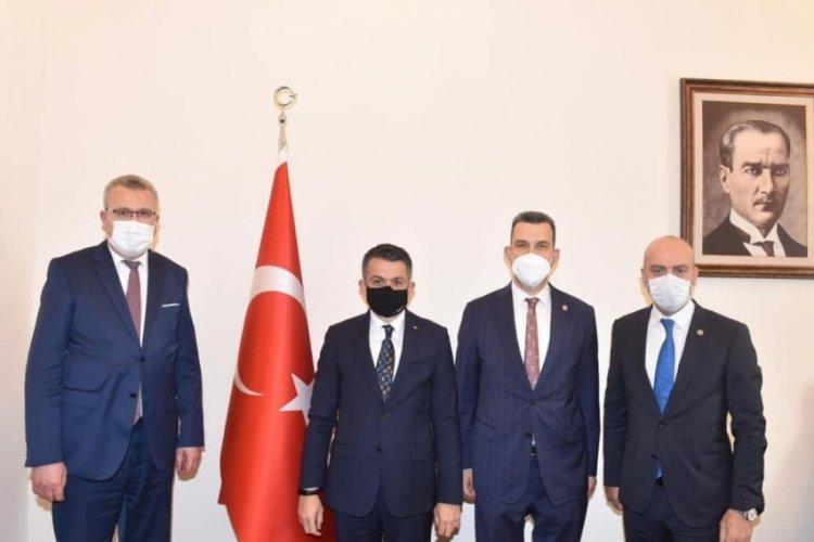 """Bursa Karacabey Belediye Başkanı Özkan: """"Selzede vatandaşlarımızın yanındayız"""""""
