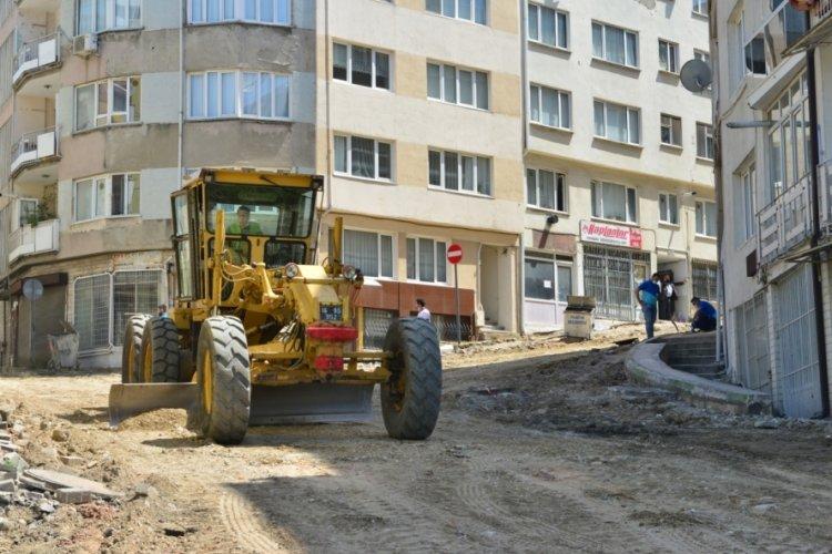 Bursa Yıldırım'da Yeşil Mahallesi'nin yolları yenileniyor