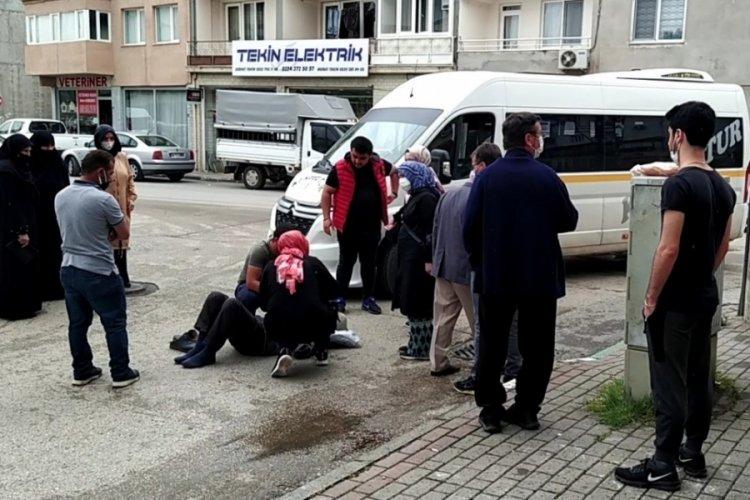 Bursa'da servis minibüsünün çarptığı yaşlı adam yaralandı