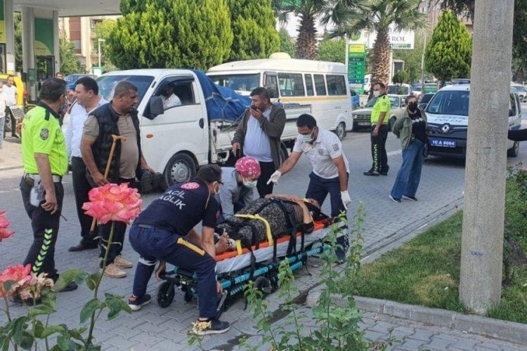 Yaşlı kadın elektrikli bisikletten düştü, hastaneye kaldırıldı