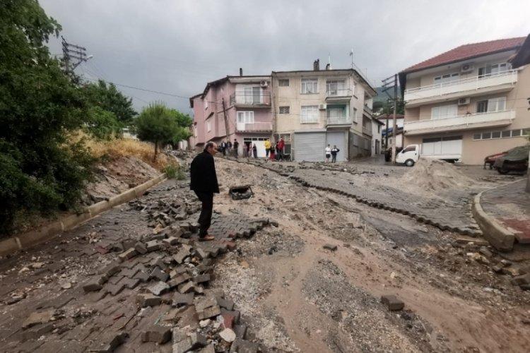 Manisa'da sel felaketi nedeniyle 17 ev hasar gördü