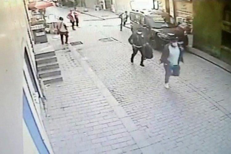 Birlikte olduğu kadına silahını çaldıran polis dehşet saçtı