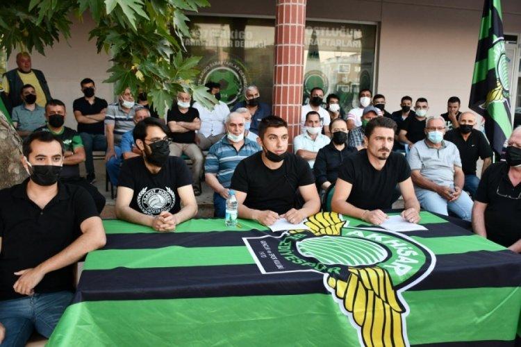 Akhisarspor'da taraftar derneklerinden yönetime istifa çağrısı