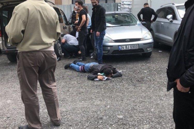 Duruşma çıkışı silahlı kavga: Yaralılar var