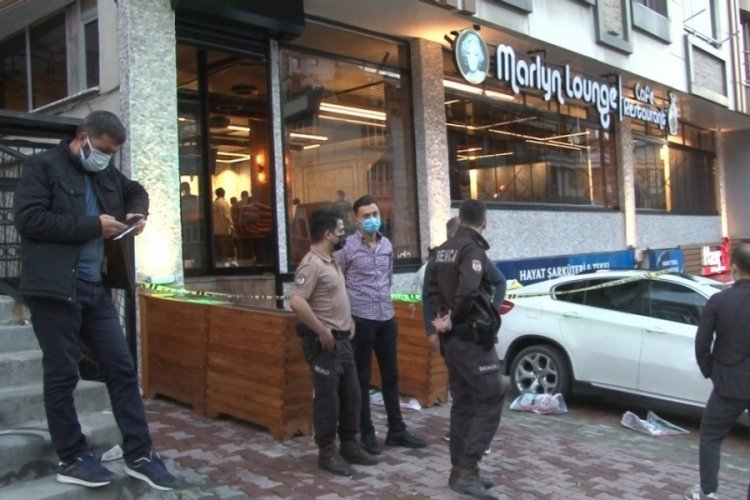 Kafeye silahlı saldırı düzenlendi: Ölü ve yaralılar var