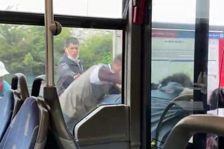 Metrobüste tekmeler ve yumruklar havada uçuştu