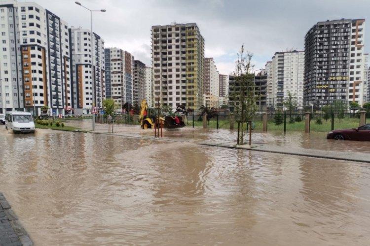 Kayseri'de şiddetli yağış: Mahsur kalanlar kurtarıldı