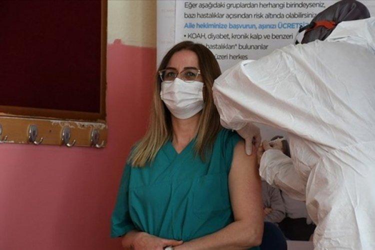 Bakan Koca'dan aşı açıklaması: Tüm öğretmenler aşılanabilecek