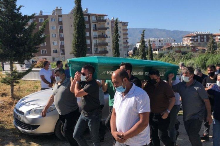 Hatay'daki zincirleme kazada ölen baba-kız, toprağa verildi