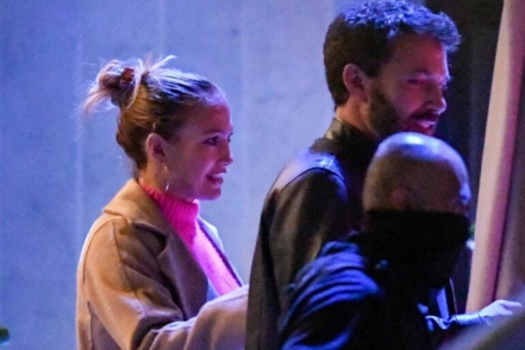 Jennifer Lopez ile Ben Affleck sarmaş dolaş!
