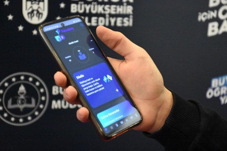 Bursa'da üniversite sınavına hazırlanan öğrencilere çevrim içi uygulama desteği