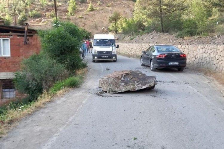 Yol çalışmasında 'kontrolsüz' patlatma: 2 yaralı