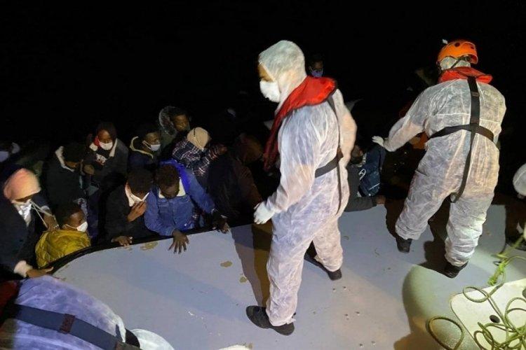 Yunan unsurlarınca geri itilen 32 göçmen kurtarıldı