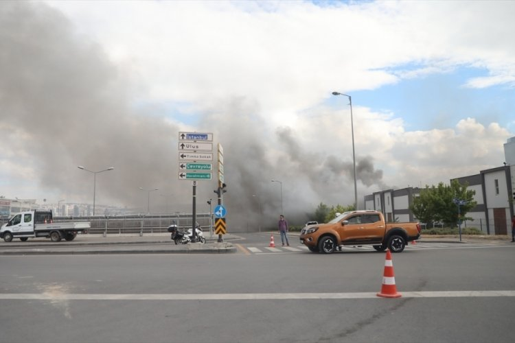 Ankara'da kimyasal malzeme üreten iş yerinde yangın