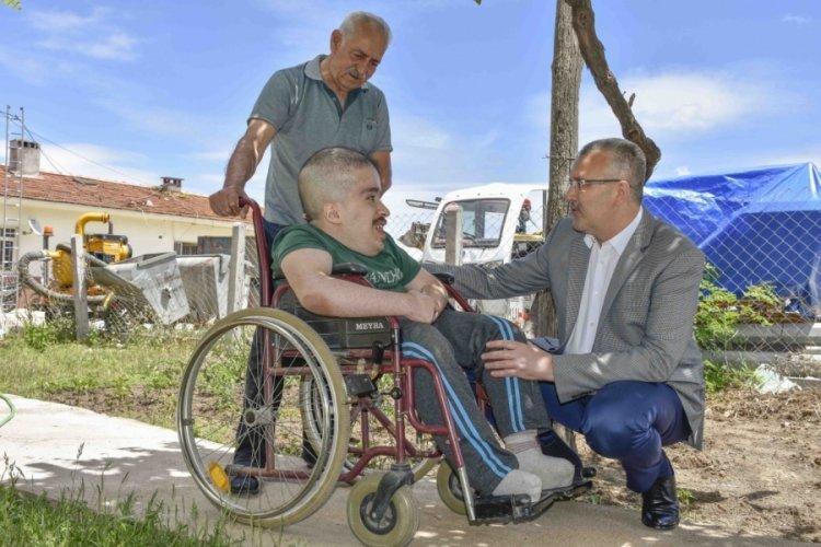 Hidrosefali hastası Batuhan'a Bursa Karacabey Belediyesi'nden yardım eli