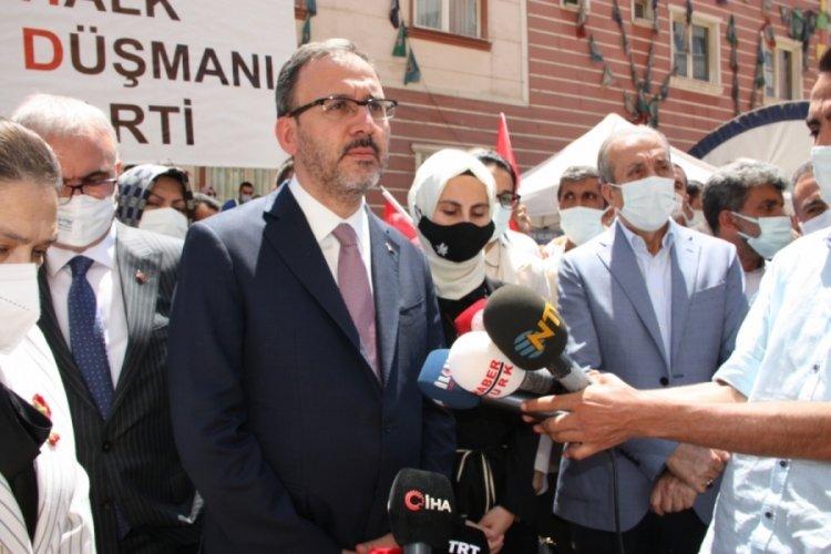 Bakan Kasapoğlu Diyarbakır'da eylem yapan aileleri ziyaret etti