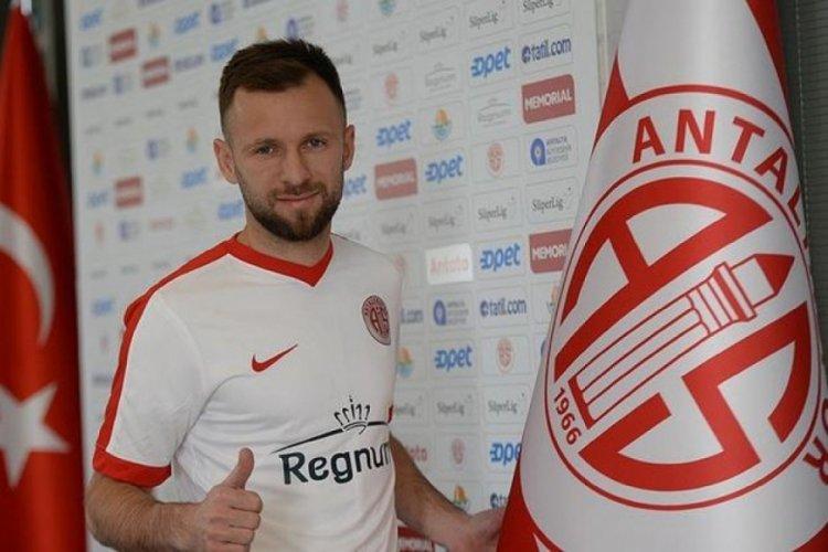 Antalyaspor'da Hakan Özmert boş kağıda imza attı