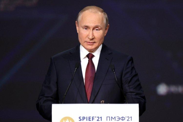 Putin: Kuzey Akım 2'nin ilk etabında döşeme işlemi tamamlandı