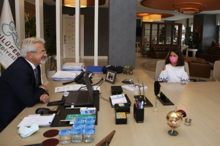 Mimar olacak çocuk Bursa Nilüfer Belediye Başkanı Erdem'le buluştu
