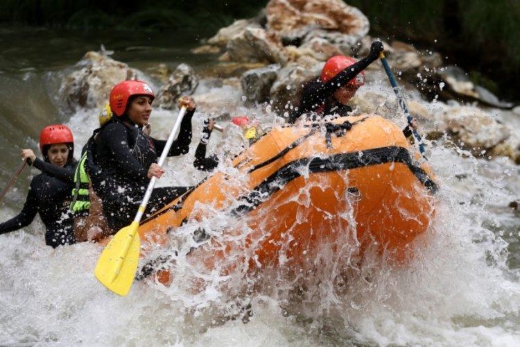 Bursa'nın rafting parkurunda heyecan dolu anlar