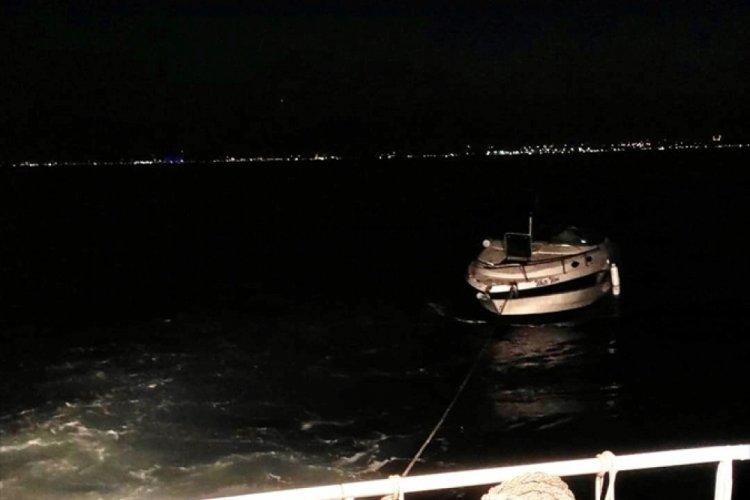 İstanbul'da Kınalıada açıklarında sürüklenen tekne kurtarıldı