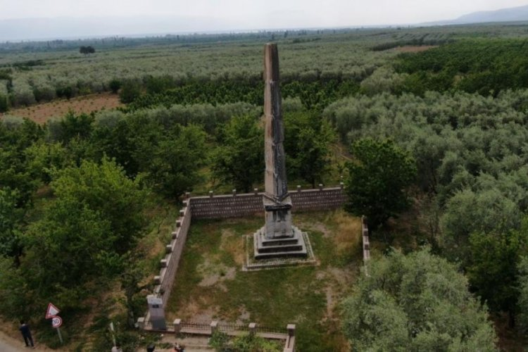 Bursa'da 12 metre yüksekliğindeki anıt mezar 2 bin yıldır ayakta