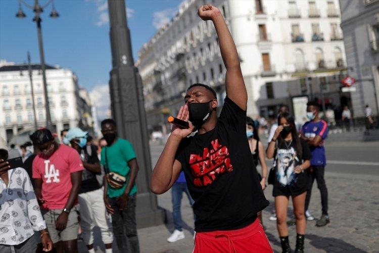 İspanya'da ırkçılık karşıtı protesto