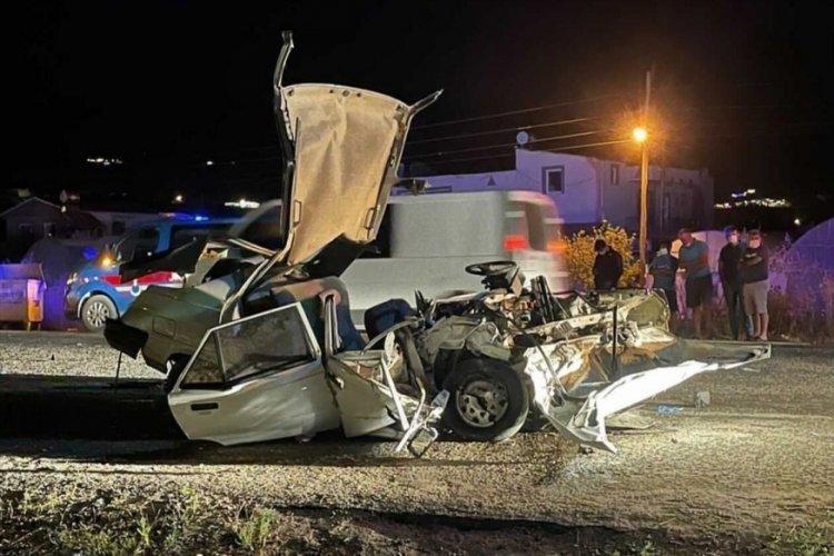 Ölümlü kazada, otomobil de hurdaya döndü