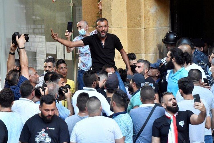 Lübnan Beyrut'ta hükümet karşıtı protesto