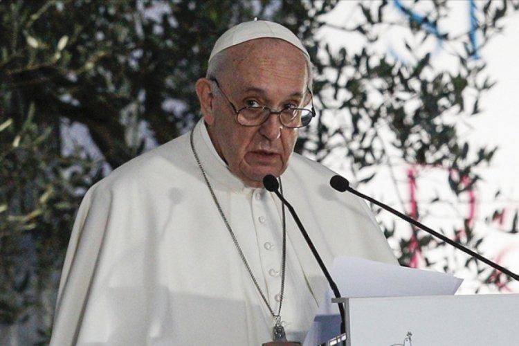 Papa, 215 çocuğun kalıntısının bulunmasıyla ilgili özür taleplerini karşılıksız bıraktı