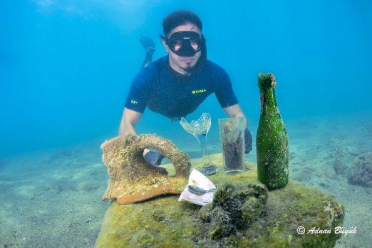 Antalya'da şaşırtan görüntüler! Denizin altından onlarca çöp çıkartıldı