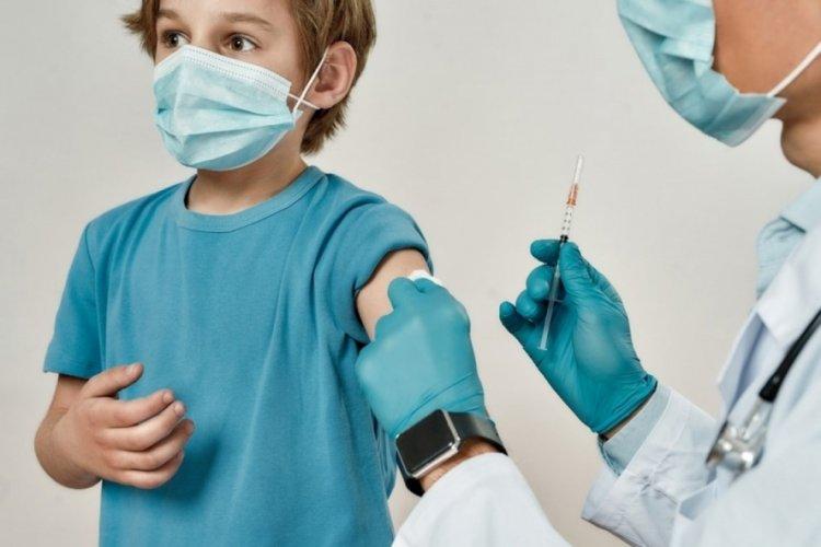 Yetişkinlerin yarısı aşı oldu: Yeni vakaların dörtte biri çocuk