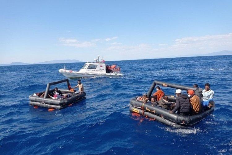 İzmir açıklarında 131 göçmen kurtarıldı