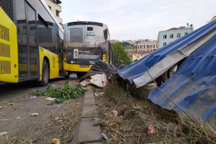 İstanbul'da İETT otobüsü kaza yaptı