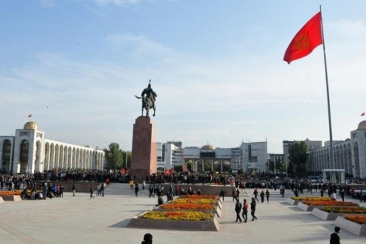 Kazakistan'dan Tacikistan'a askeri yardım