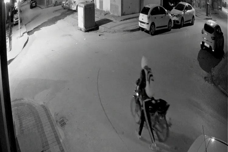 Bursa'da çaldıkları motosikleti düz kontakla çalıştıramayınca kaçtılar