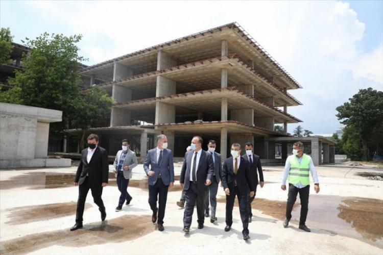 Bursa Valisi Canbolat İnegöl'de yeni belediye binası şantiyesini inceledi