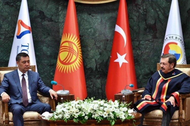 Kırgız Cumhuriyeti Cumhurbaşkanı Caparov'a fahri doktora