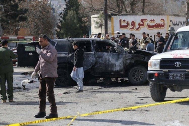 Askeri karakola bomba yüklü araçla saldırdılar