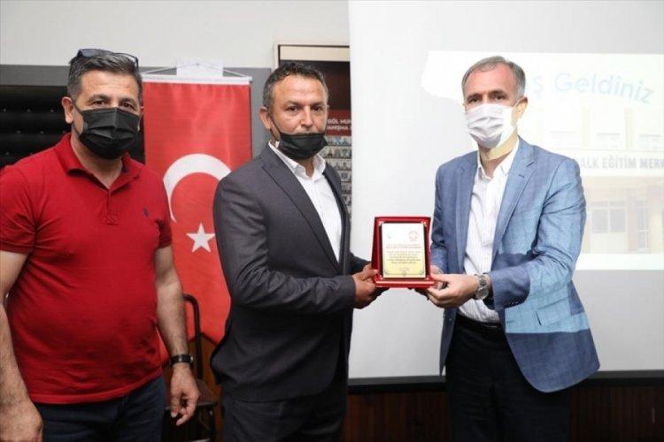 Bursa İnegöl'de yeni kasaplar sertifikalarını aldı