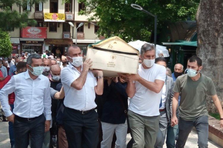 Bursalı Ressam Yaşar Kutlu hayatını kaybetti