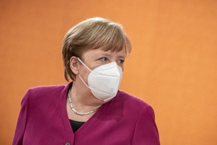 """Merkel, Kovid-19'e karşı aşılama konusunda """"çok iyi sonuçlar"""" elde etmeyi umuyor"""