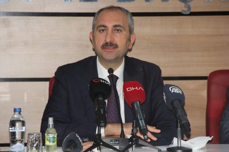Bakan Gül: Bir takım polemiklerle siyaset yapmanın Türkiye'ye hiçbir faydası yok