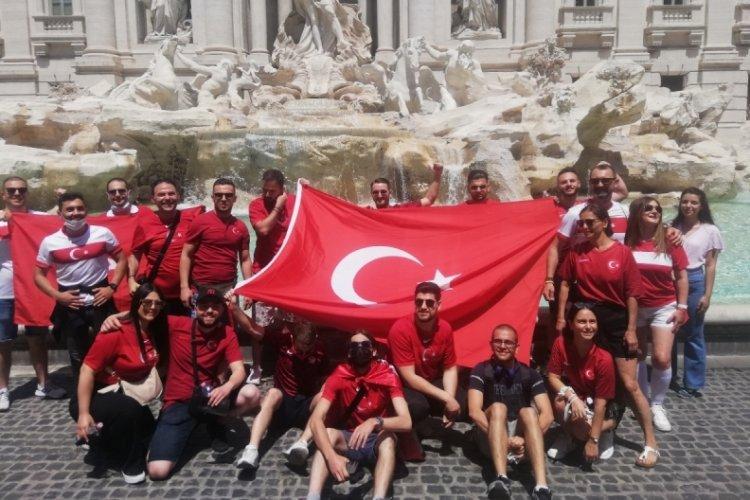 Türk taraftarlar stada giriş yaptı