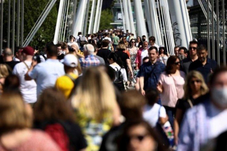 """İngiltere'de """"tüm sınırlandırmaların kaldırılması"""" kararı ertelenebilir"""