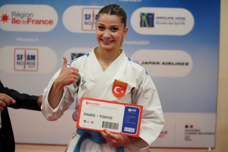 Milli karateci Eray Şamdan ve Dilara Bozan'dan olimpiyat kotası