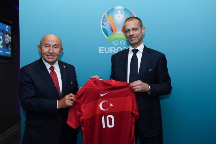 TFF Başkanı Özdemir, Ceferin ve Gravina ile bir araya geldi
